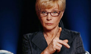Anne-Robinson-on-the-Weak-007