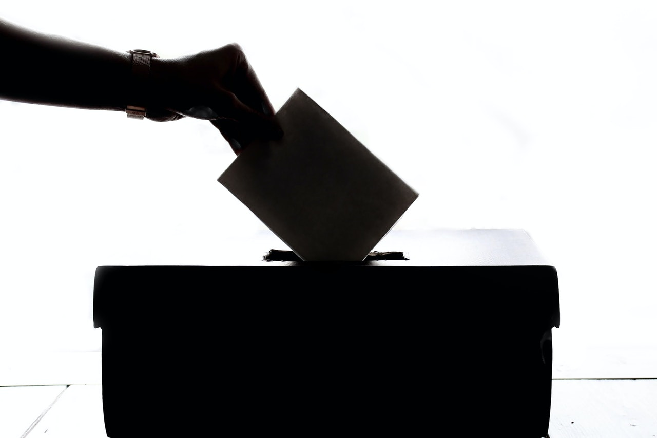 Iran blamed for voting spam emails